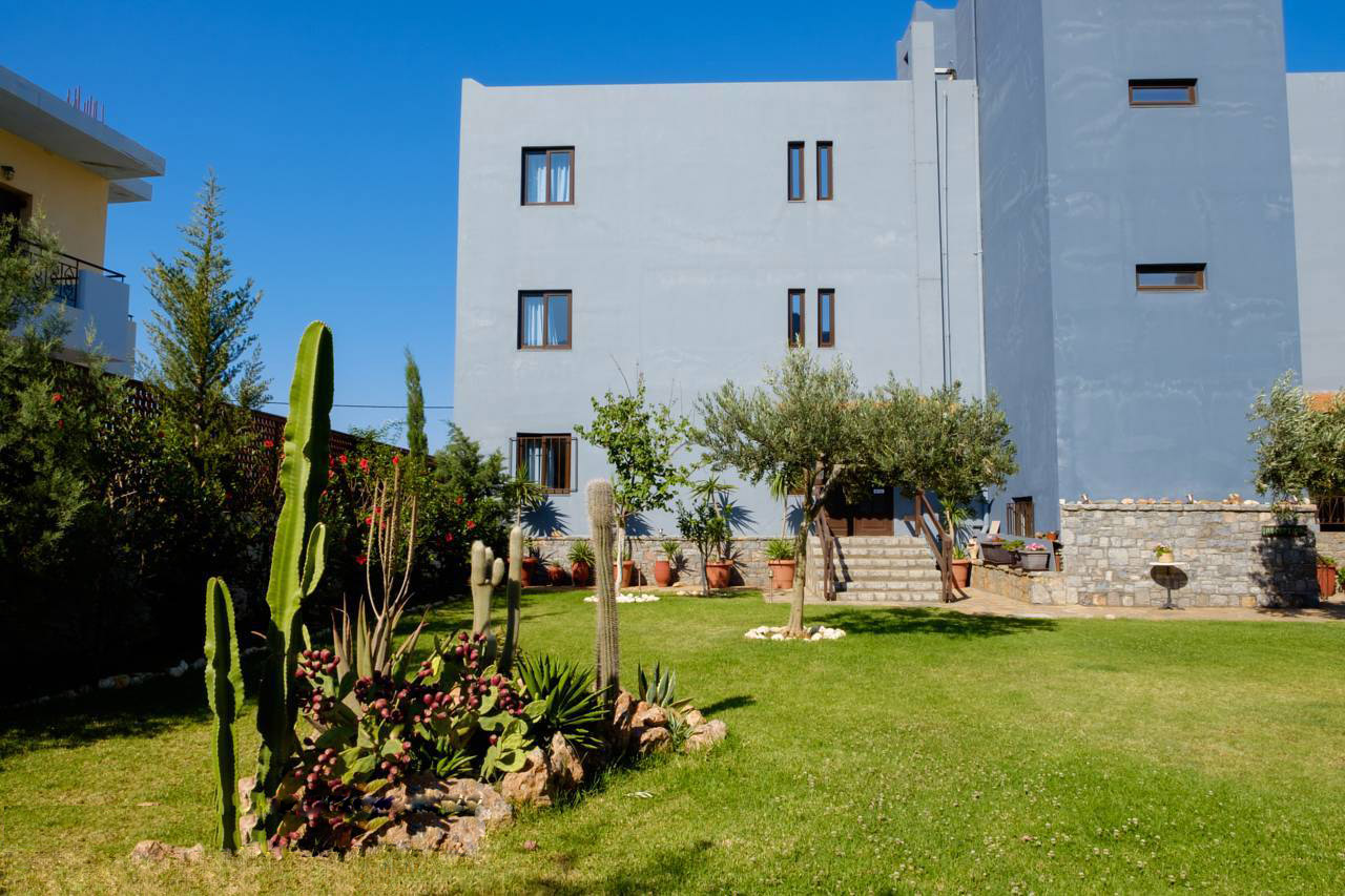 Elounda Apartments & Studios - Corali Studios & Portobello Apartments - Garden Overview 2