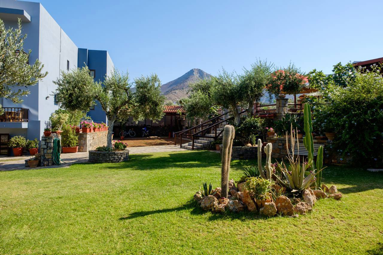 Elounda Apartments & Studios - Corali Studios & Portobello Apartments - Garden Overview 6