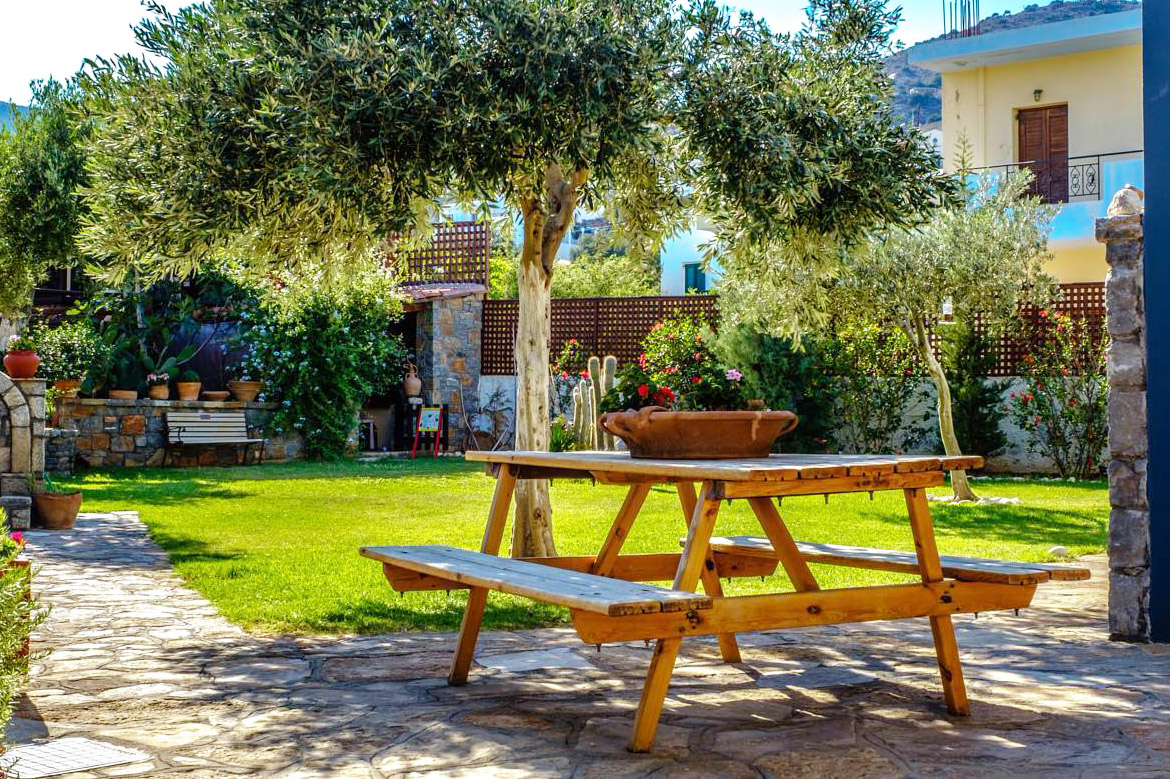 Elounda Apartments & Studios - Corali Studios & Portobello Apartments - Garden Table