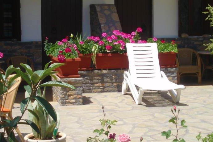 Elounda Apartments & Studios - Corali Studios & Portobello Apartments - Outdoors Sitting Area 3